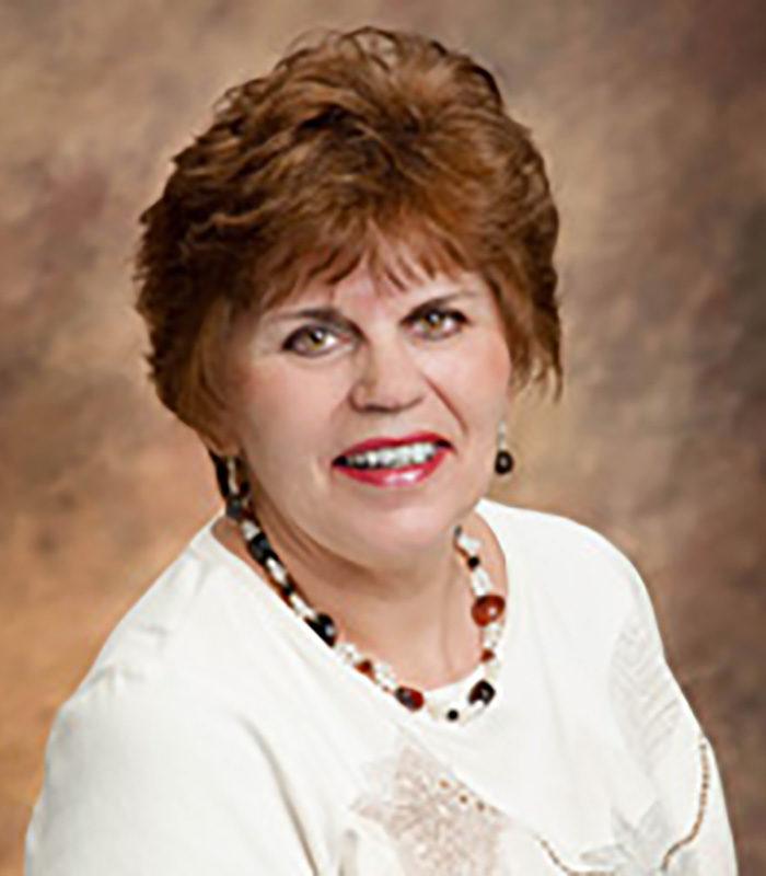 Shirley Hretzek